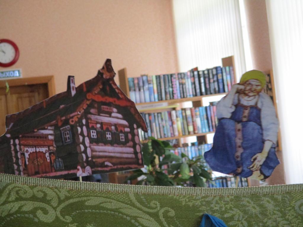 Инсценирование сказки в поселковой библиотеке Д-Константиново-5